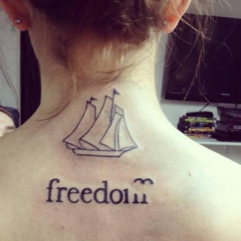 tatuaggi piccoli femminili libertà