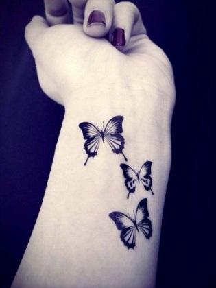 tatuaggi piccoli femminili polso