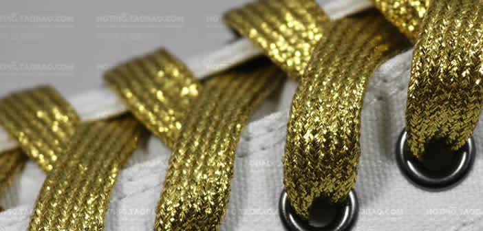 lacci da scarpe in oro