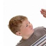 Le punizioni fisiche danneggiano il futuro del vostro bambino