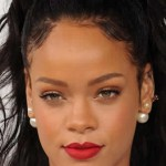 Gossip: Rihanna smentisce le voci sulla relazione con Ashton Kutcher