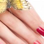 Abbellire le mani e le unghie