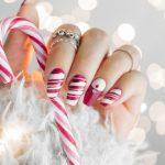 Nail Art Natale: 3 tutorial per unghie natalizie semplici, ma eleganti