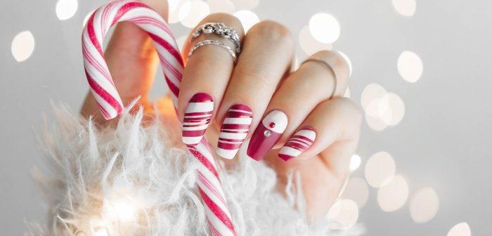 nail art natale 2018 linee bianco e rosso