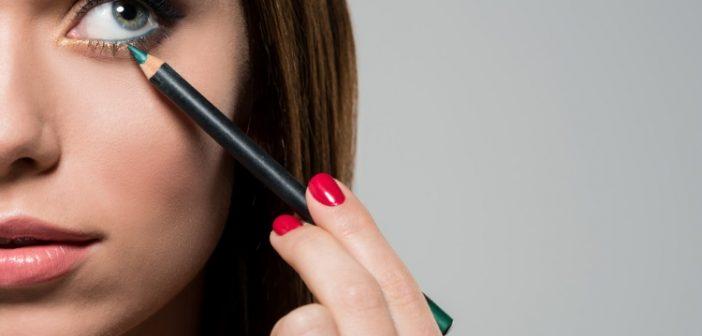 Come scegliere la matita occhi giusta per valorizzare il tuo sguardo